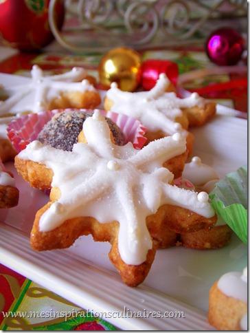 Biscuits de noel décorés flocons de neige