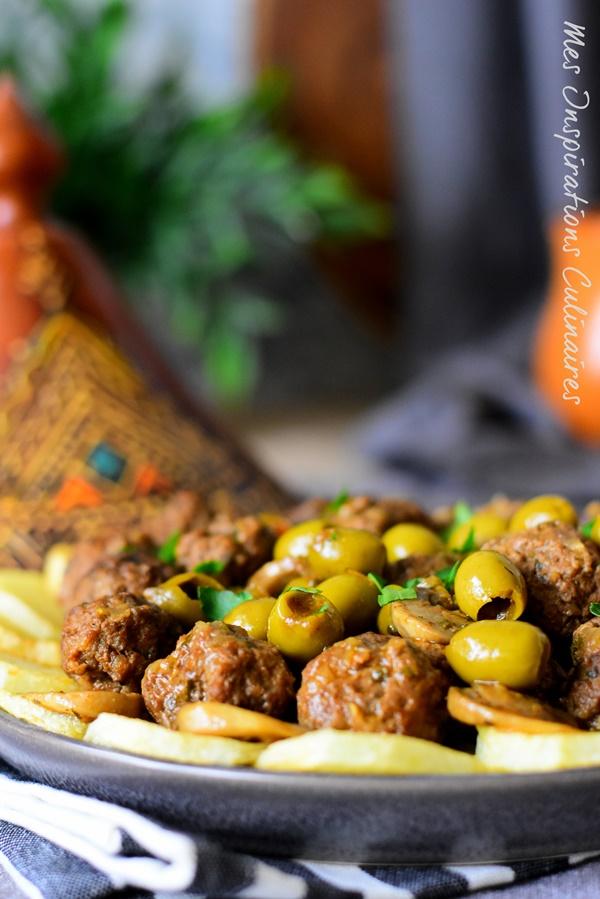 tajine boulettes de viande hachée kefta, pomme de terre et olives
