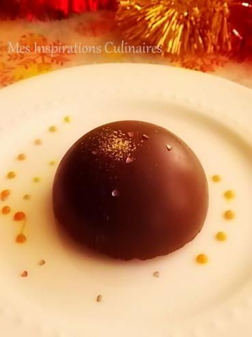 Dôme mousse au chocolat coeur caramel coulant