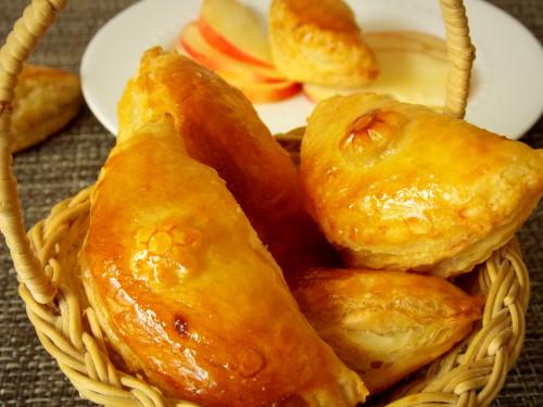 chaussons-aux-pommes-caramelises.jpg