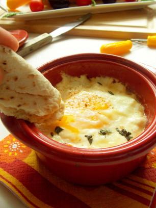 oeufs cocotte (fromage de chevres et tomates)