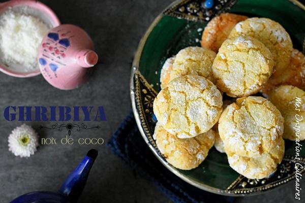 Ghribia à la noix de coco et semoule