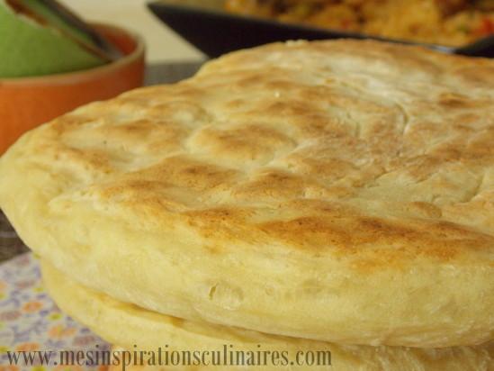 Matlouh khobz tajine pain sans petrissage le blog - Cuisine de choumicha recette de batbout ...
