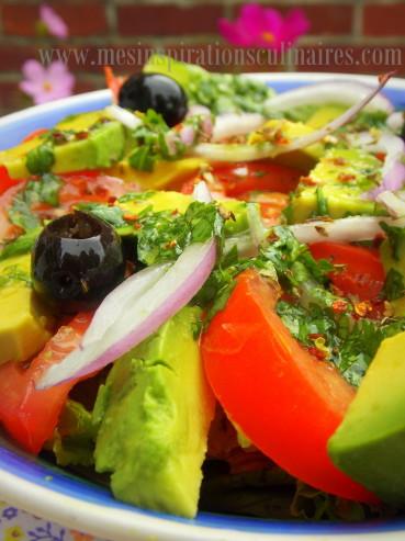 salade-de-tomate-avocat2.jpg