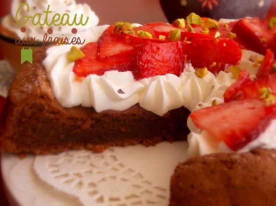 Gateau aux fraises, chantilly et chocolat