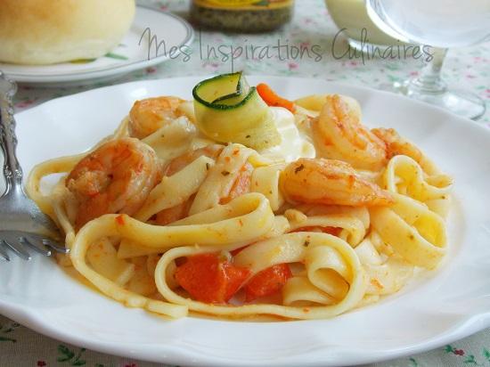 Fettucini aux crevettes, pesto et sauce alfredo