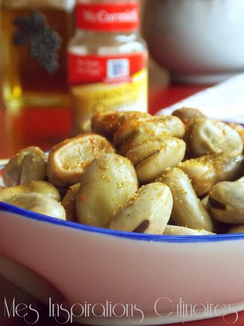 Fèves cuites à la vapeur au cumin