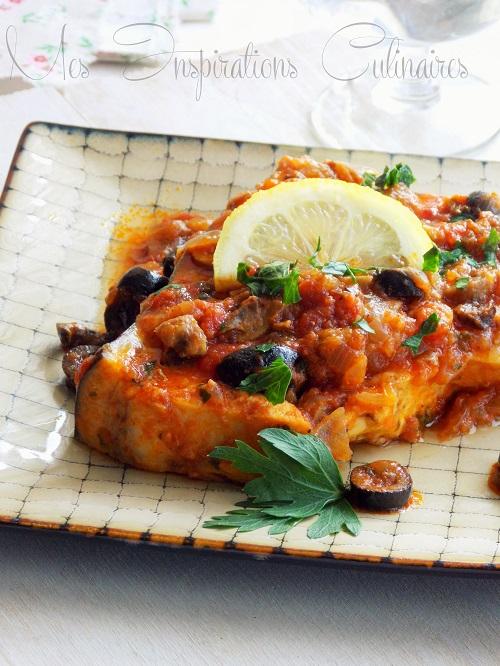 Espadon en sauce tomate aux olives et câpres