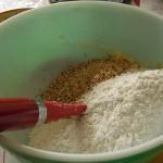 ajouter les amandes et la farine