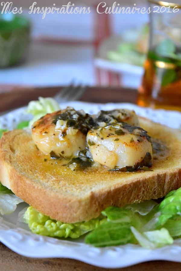 Noix de Saint jacques sauce au citron ail et persil 1