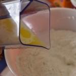 verser le babeurre et le beurre fondu