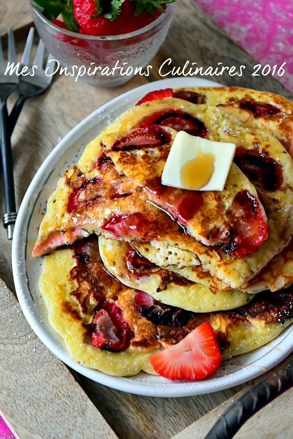 Pancakes aux fraises moelleux