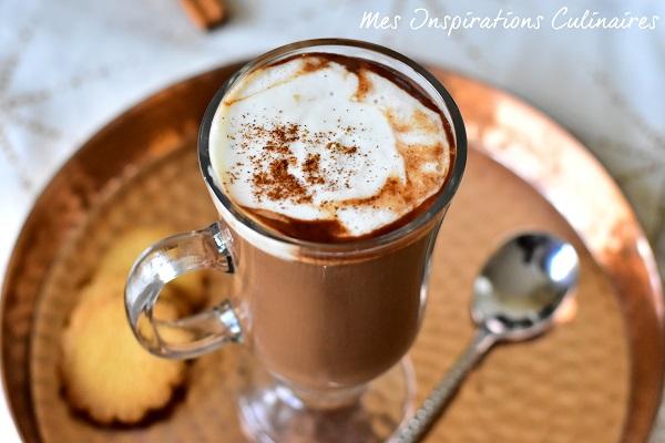 Chocolat chaud à la cannelle recette de Felder