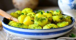 recette-salade-de-pomme-de-terre-et-salsa-verde-1