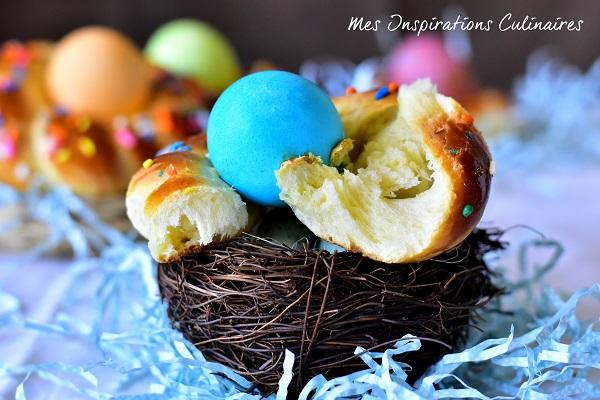 Brioches nid de Pâques italienne