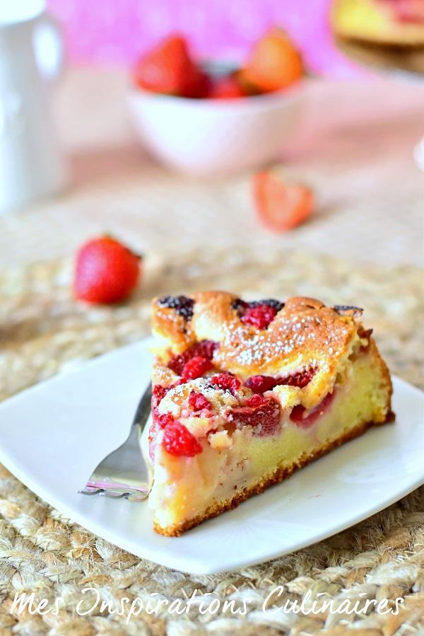 g teau au yaourt aux fraises le blog cuisine de samar. Black Bedroom Furniture Sets. Home Design Ideas