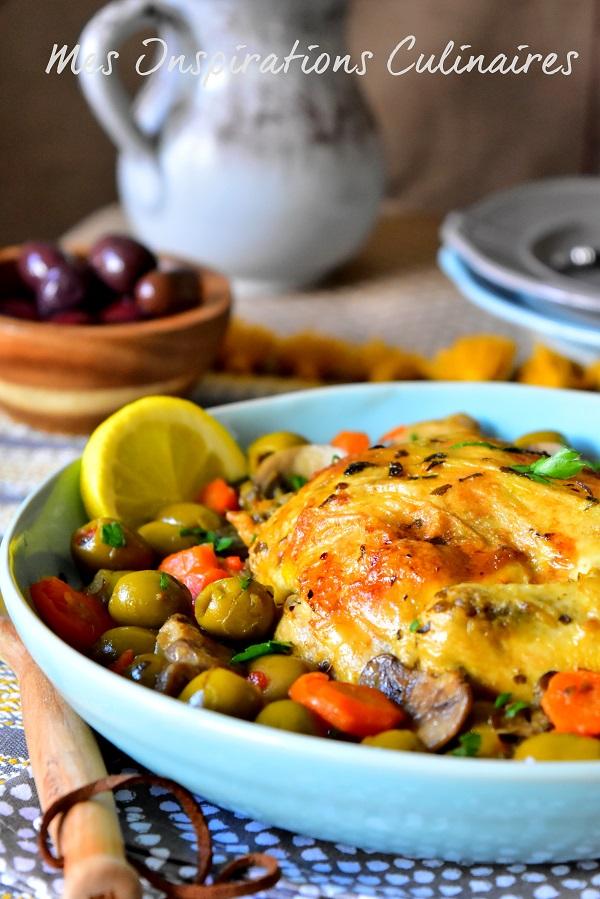 Tajine de poulet aux olives et aux carottes