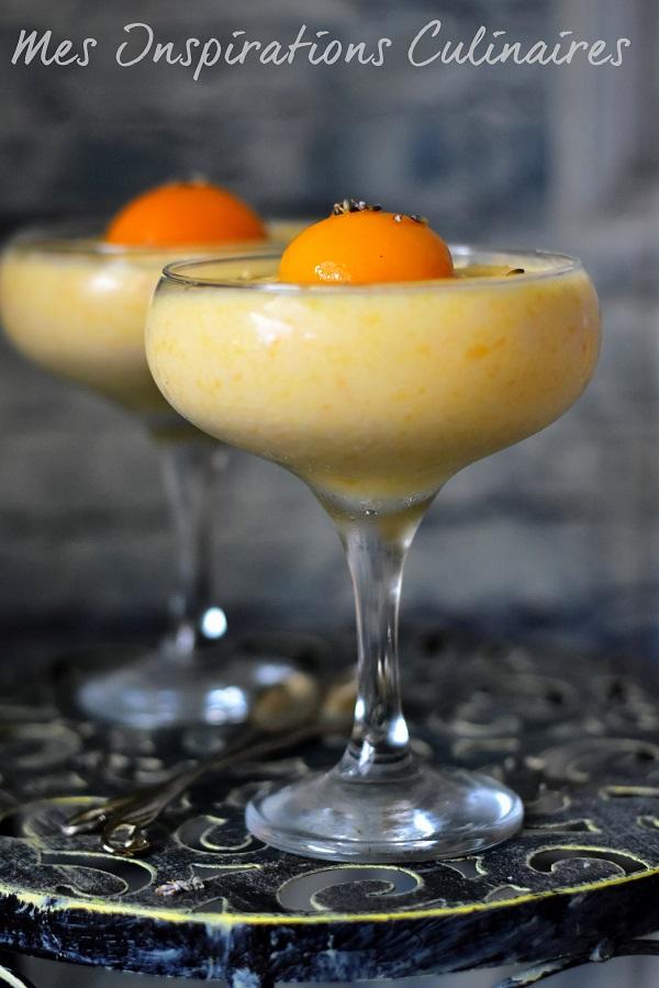 Mousse aux abricots frais