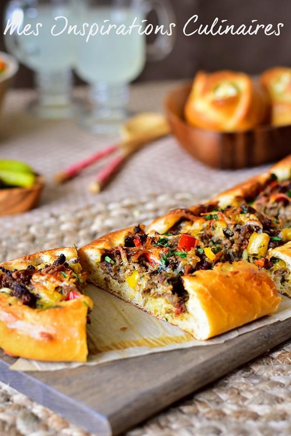 Pizza turque a la viande hachée, pide pizza