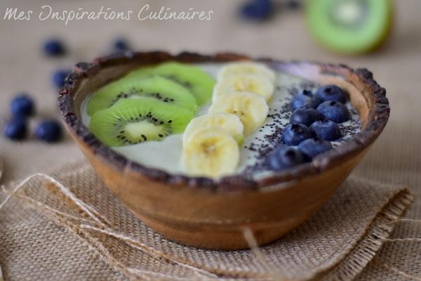 Smoothie bowl à la spiruline, kiwi et avocat