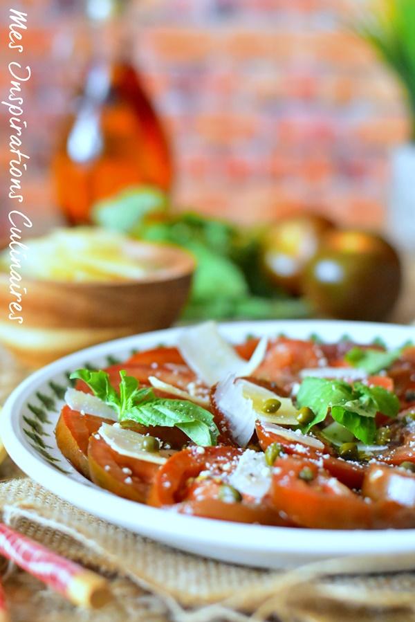Carpaccio de tomates basilic et parmesan