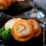 Petits fours salés : roule de saumon et boursin