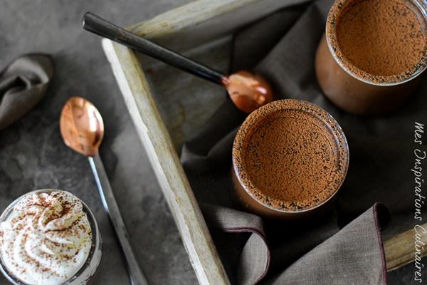 Petits pots de crème au chocolat recette sans oeufs avec 2 ingredients