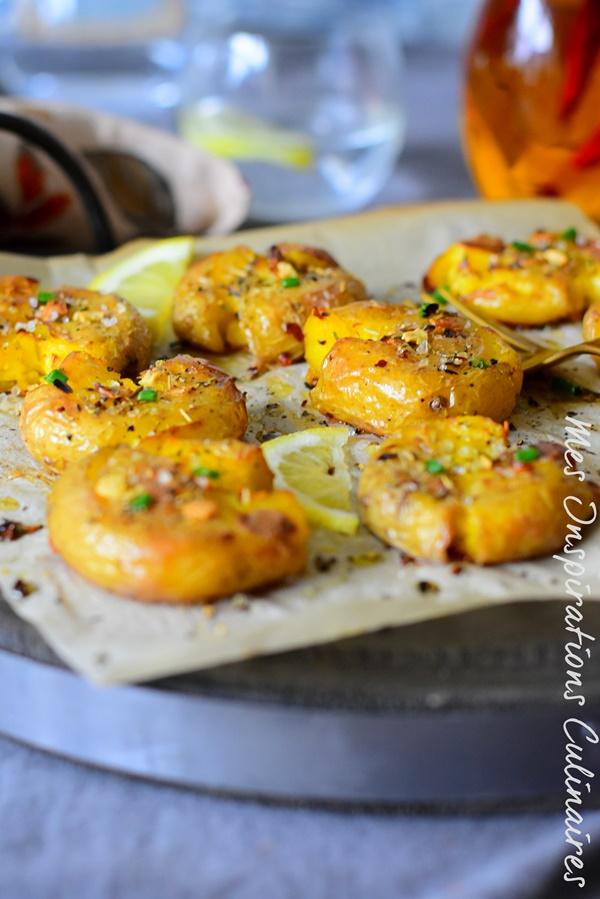 Pommes de terre tapée à l'ail, huile d'olive et piment