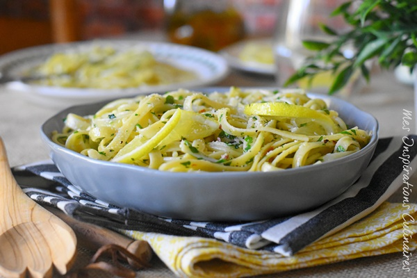 Spaghetti aglio e olio (pâtes à l'ail et huile d'olive)