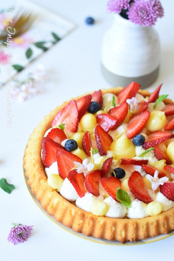 Tarte renversée aux fraises, crème citron-basilic