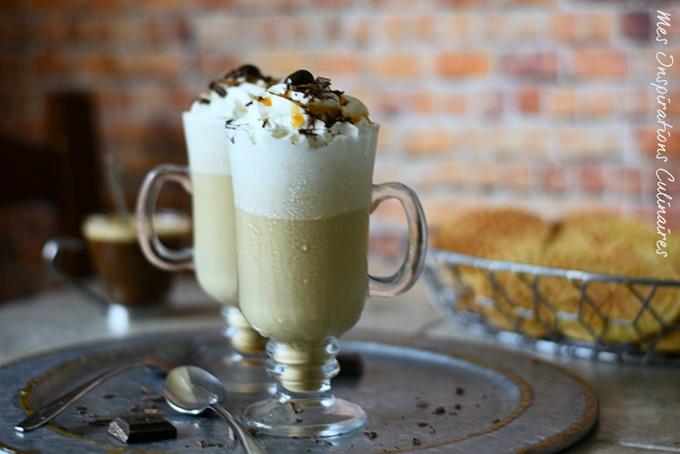 Le café frappe maison, boisson glacée de l'été