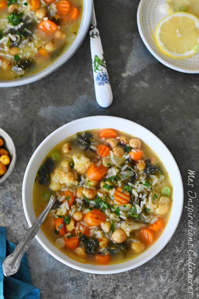 Soupe de chou Kale, et riz sauvage aux pois chiche rôtis