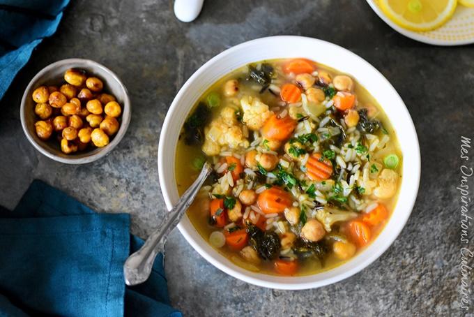 Soupe de chou Kale, carottes et pois chiche rôtis