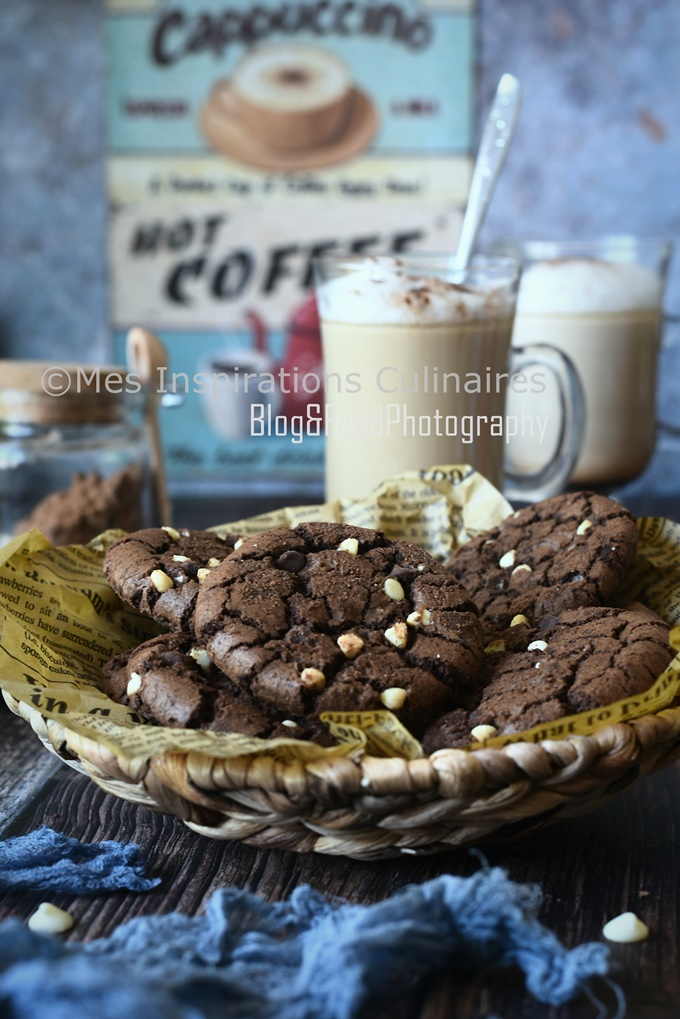 Cookies au chocolat cacao et pépites de chocolat blanc