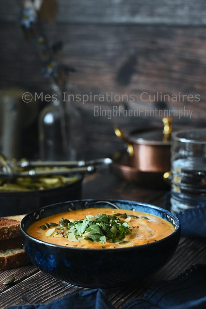 Soupe de patate douce, carottes et lait de coco