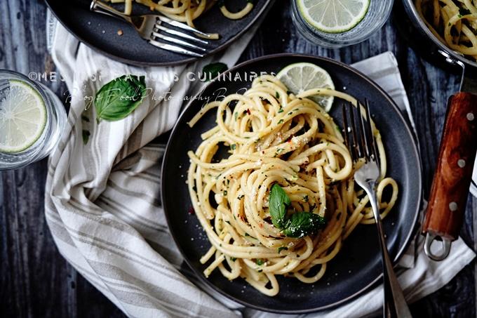 Bucatini (pâtes au beurre et herbes fraîches)