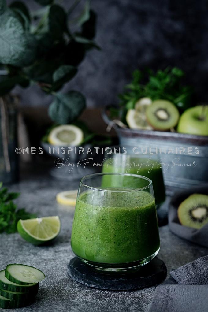 Smoothie vert au persil et épinard