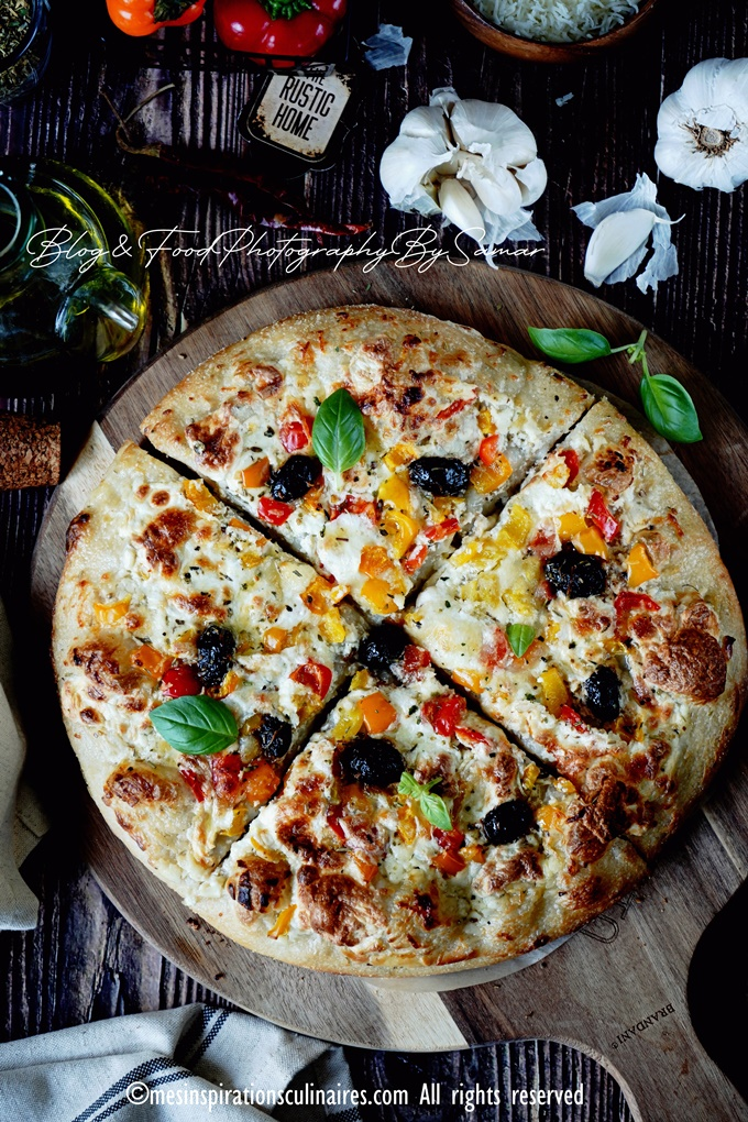 Pizza sauce blanche a la pate epaisse