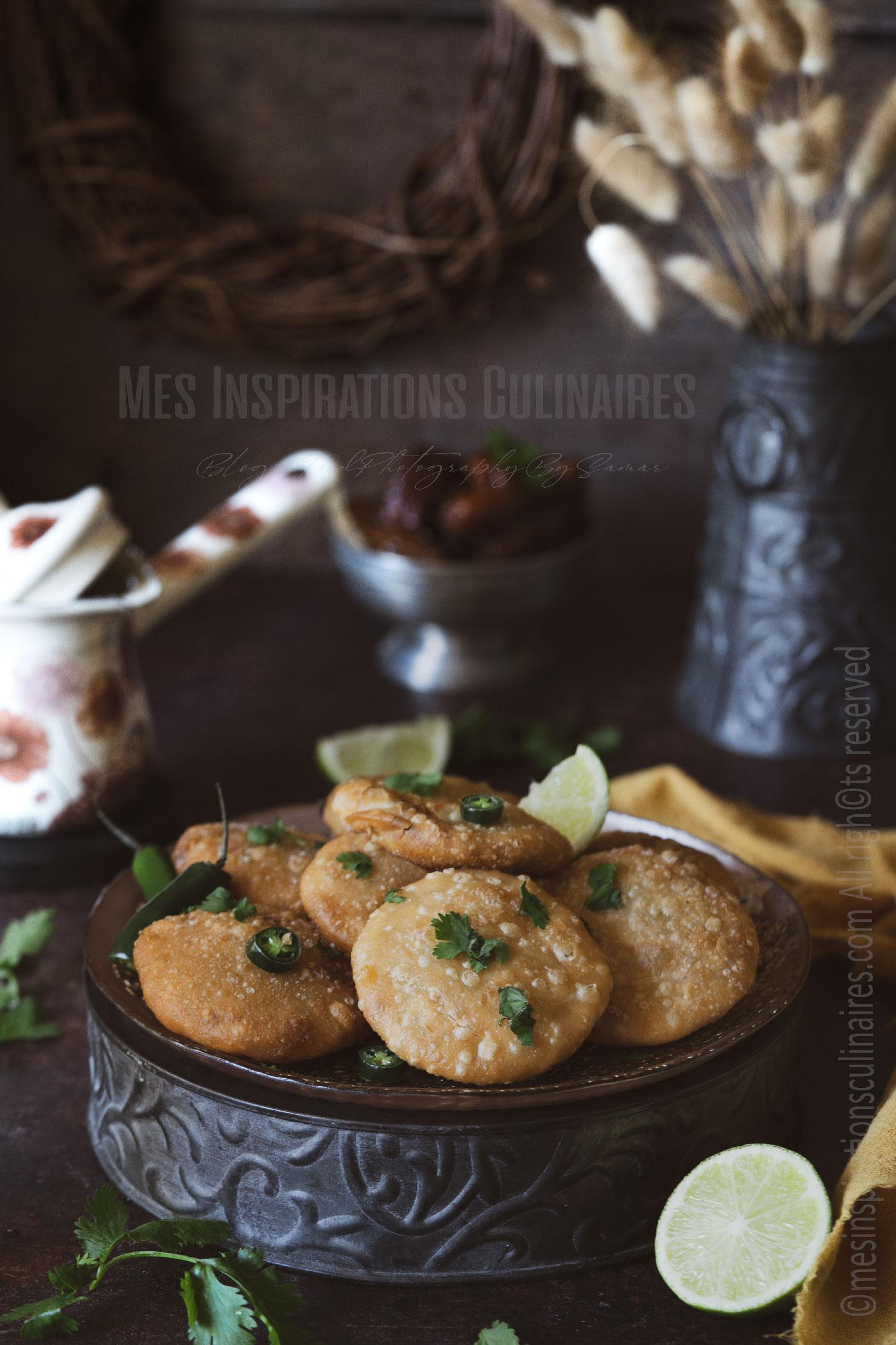 pain indien Aloo kachori aux pommes de terres épicées