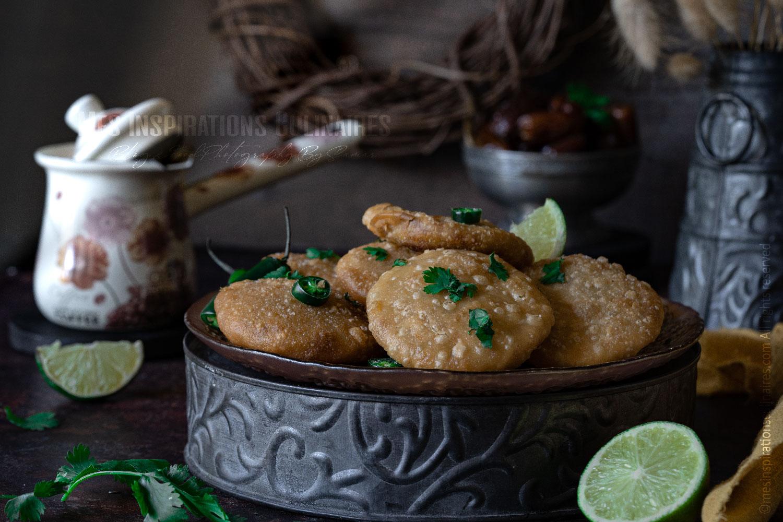 pain indien frit aux pommes de terre (Aloo kachori)