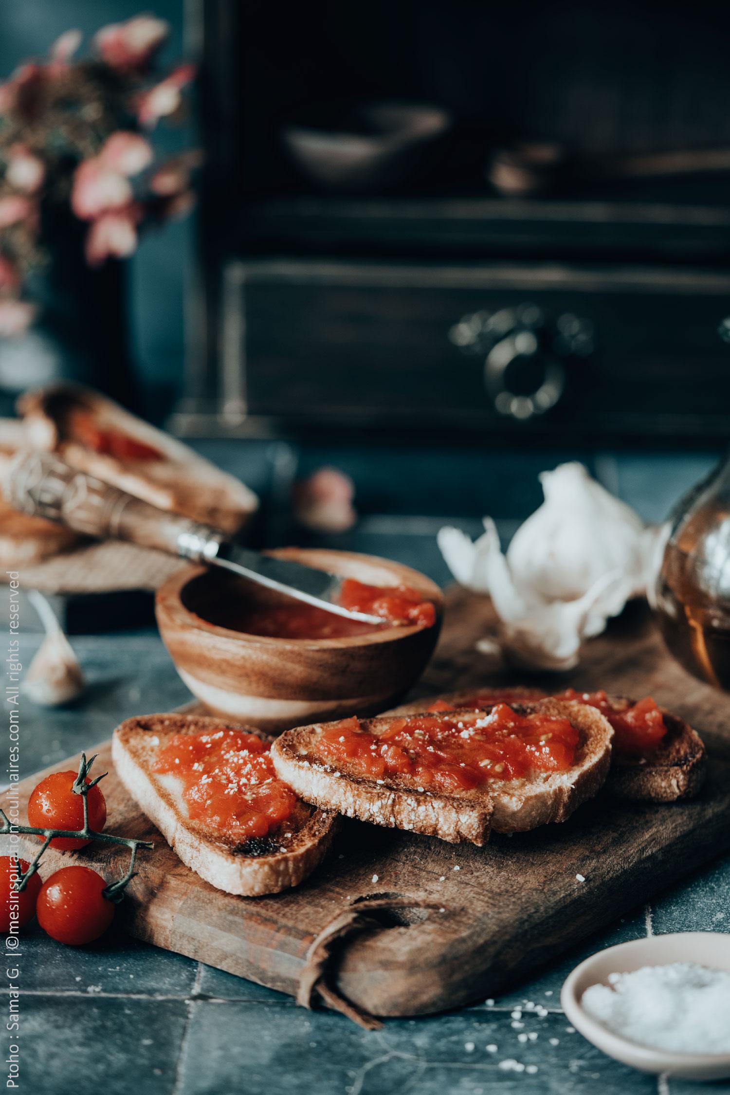 pan con tomates catalane (pa amb tomàquet)